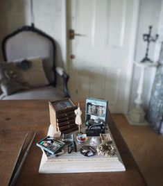 Japanese Artist Crafts Miniature, Antique Dollhouse Furniture by Hand Miniature Furniture, Doll Furniture, Dollhouse Furniture, Antique Furniture, Antique Dollhouse, Antique Dolls, Dollhouse Miniatures, Fashion Kids, Fun Crafts