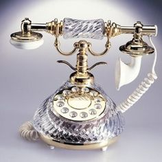 CRYSTAL ANTIQUE TELEPHONE   review   Kaboodle