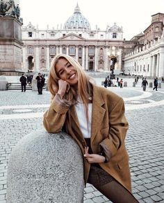 winter outfits new york Pretty Winter Outfits - winteroutfits Winter Outfits, Spring Outfits, Paris Spring Outfit, Holiday Outfits, New Travel, Travel Style, Travel Europe, Holiday Travel, Ootd Instagram