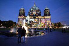 http://www.morgenpost.de/article208330769/Die-schoensten-Bilder-von-Berlin-leuchtet-in-XXL.html