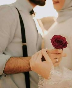10 Islamic Marriage Quotes For Husband And Wife - Pious Muslim Husband & Wife Muslim Couple Quotes, Cute Muslim Couples, Muslim Love Quotes, Love In Islam, Cute Couples Goals, Romantic Couples, Romantic Weddings, Classy Couple, Cute Love Couple
