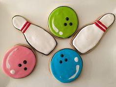 Cosmic Bowling Royal Icing Sugar Cookies by @cookiesbykatewi #bowling #pins
