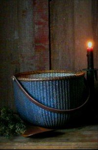nantucket basket by candlelight. Old Baskets, Vintage Baskets, Wicker Baskets, Painted Baskets, Nantucket Baskets, Prim Decor, Country Blue, Rustic Blue, Primitive Furniture