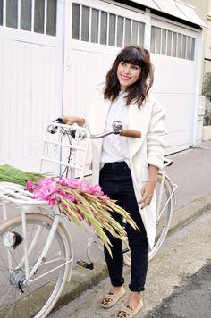 http://www.helloitsvalentine.fr/1023730/tulipbikes-x-hello-its-valentine/ - My white TulipBikes holland bicycle