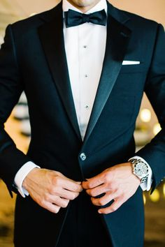 This could definitely be a possibility for my husband and/or groomsmen! I& in love with a black tie affair! Wedding Tux, Wedding Attire, Black Tuxedo Wedding, Groom Attire, Groom And Groomsmen, Groom Outfit, Tuxedo For Men, Mens Fashion Suits, Stylish Men