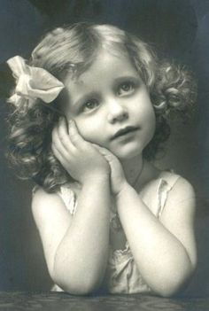 Darling antique little girl photo.