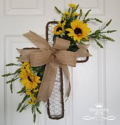 Receive your guests with this beautiful Cross Wreath. Perfect to decorate your home this spring, Easter or Year Round. Also it makes a lovely memorial gift for someone special. Everything in my store is handmade, with the best quality products,All wreath materials are wired or/and