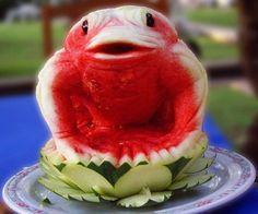 Amazing Watermelon Carving Art Designs/Sculpture - Fruit and Vegetable Carving - Zimbio L'art Du Fruit, Deco Fruit, Fruit Art, Fruit Cakes, Fresh Fruit, Watermelon Festival, Watermelon Art, Watermelon Carving, Carved Watermelon