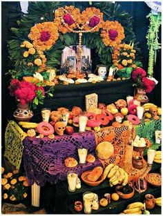 Dia de los muertos home altar. Actual Homemade Day of the dead altar, not those americanized versions you see on the american websites. Day Of The Dead Diy, Day Of The Dead Party, Diy Halloween, Halloween Decorations, Mexican Halloween, Office Decorations, Decor Ideas, Party Deco, All Souls Day