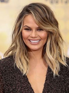 Golden Blonde Balayage for Straight Hair - Honey Blonde Hair Inspiration - The Trending Hairstyle Cheveux Ombré Hair, Chrissy Teigen Hair, Chrissy Teigen Style, Round Face Haircuts, Dion Lee, Ombre Hair Color, Blonde Balayage, Balayage Hairstyle, Hair Lengths