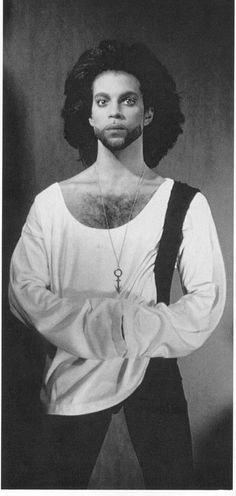 Prince in 1990, not the best photo, but an essential Classic Prince pic!