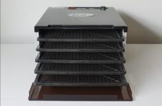 Tips for purchasing a dehydrator - The Family Tradition Best Food Dehydrator, Dehydrator Recipes, Home Automation System, Smart Home Automation, A Food, Good Food, Cleaning Appliances, Dehydrated Food, Shelf Life