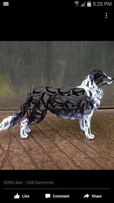 Horseshoe Border Collie sculpture by Tom Hill Welding Crafts, Welding Art, Welding Projects, Metal Crafts, Horseshoe Projects, Horseshoe Crafts, Horseshoe Art, Horseshoe Ideas, Metal Yard Art