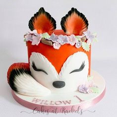 Bild kuchen design picture cake design kuchen kindergeburtstag bild cake design kindergeburtstag kuchen picture tutorial explaining how to make figure 2 number 2 cakes without the need of expensive specialist tins simple and effect Pretty Cakes, Cute Cakes, Beautiful Cakes, Amazing Cakes, Fondant Cakes, Cupcake Cakes, 3d Cakes, Fox Cake, Crazy Cakes