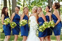 Questi vestiti per damigelle d'onore sono dotati di senso da classico, a moderno e a elegante. Con l'ultima tendenza e ultra femminile, questa collezione di vestiti damigella offre nuove potenze alle spose! Veda le foto sotto e prenda ispirazione!