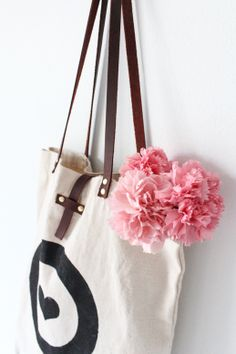 DIY leather handled tote bag -- pretty and simple bag update