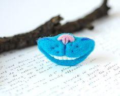 http://sosuperawesome.com/post/138234969771/needle-felt-brooches-by-taniafelt-on-etsy-so