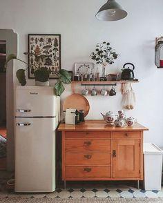 25 comptes Instagram à découvrir si tu aimes le design - Joli Joli Design Diy Home Decor, Room Decor, Interior Decorating, Interior Design, House Rooms, Cozy House, Home And Living, Home Kitchens, Kitchen Decor