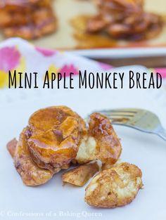 Mini Apple Monkey Bread www.confessionsofabakingqueen.com