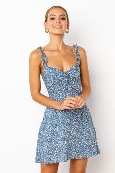 Dress for philanthropy round of sorority recruitment Casual Summer Dresses, Simple Dresses, Cute Dresses, Beautiful Dresses, Short Sleeve Dresses, Flower Dresses, Summer Clothes, Flowy Floral Dress, Floral Sundress