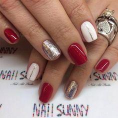 Glitter Winter Nail Ideas picture 3