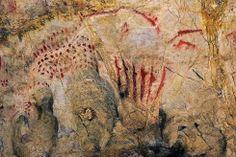 Conunto de representaciones pintadas y grabadas. Cueva de El Pindal. Asturias.