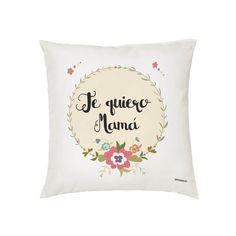 Cojín Corona Flores Mamá. Para regalar el Día de la Madre, Cumpleaños, Aniversario etc.. Visita nuestra tienda que hemos creado una línea de regalos para Mamá. Camisetas iguales, Tazas, Toallas y Cojines Personalizados. ¡VISÍTANOS!