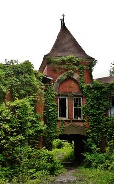 L'hôpital psychiatrique abandonné de Hudson River State | Urbex playground