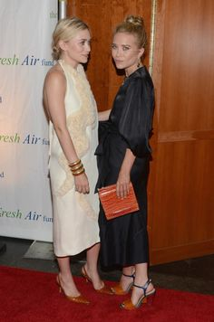 NEW YORK, NY - 31 mai: Ashley Olsen et Mary-Kate Olsen assistent Fresh Air Fund Salute 2012 American Heroes à Pier Sixty à Chelsea Piers, le 31 mai 2012 à New York City.  (Photo Dimitrios Kambouris / WireImage)
