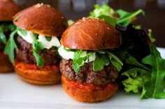 Food Porn: Wagyu Sliders at Bouchon Bakery. Meat Recipes, Cooking Recipes, Healthy Recipes, Filet Recipes, Cooking 101, Drink Recipes, Dinner Recipes, Hamburger Sliders, Gourmet