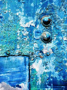 Blue peeling paint and patina Textures Patterns, Color Patterns, Rust Paint, Rhapsody In Blue, Peeling Paint, Rusty Metal, Blue Aesthetic, Texture Art, Abstract Photography
