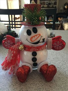 Fish bowl snowman, mittens, boots, scarf, jingle bell, Cricut 651 Vinyl, Christmas