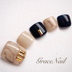 nailap Photo sharing app exclusively for nail art lovers. Pedicure Designs, Toe Nail Designs, Love Nails, How To Do Nails, Japan Nail, Nail Pops, Uñas Fashion, Summer Toe Nails, Japanese Nail Art