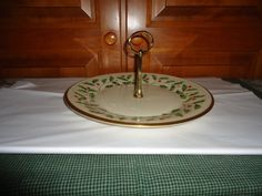 """Lenox Holiday Single Tier Round Serving Plate with Handle.  10.50"""" Diameter…"""