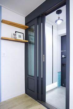 8 razones suficientes para empezar a usar puertas corredizas en casa – Manos a la Obra Interior Sketch, Home Interior Design, Tall Cabinet Storage, Locker Storage, Halls, House Design, Architecture, Outdoor Decor, Room
