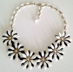 Vintage Coro Soft Plastic Black & White Daisy Flower Necklace #Coro #Collar