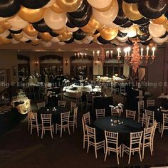 Black And Gold Masquerade Party Centerpieces Great Gatsby Party Theme 30th Birthday Parties, Anniversary Parties, 50th Birthday, Hollywood Birthday Parties, Hollywood Theme, 70th Anniversary, Birthday Ideas, Deco Ballon, Masquerade Prom
