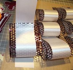 How to make a Homecoming or Name Loop for your Mum or Garter Truly this can be any kind of loop! Put names on it, homecoming on it, whatever you want! Supplies: Two kinds of ribbon, one bigger than the other for a loop with 12 loops about Homecoming Mums Senior, Football Homecoming, High School Homecoming, Homecoming Corsage, Homecoming Spirit Week, Homecoming Ideas, Senior Year, Homecoming Proposal, Prom