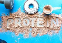 Sambirano Gold - Kakaóbabos termékek, árak, vásárlás – SAMBIRANO GOLD - KAKAÓBAB, KAKAÓVAJ, 100% CSOKOLÁDÉ WEBÁRUHÁZ Whey Protein Shakes, Milk Protein, Protein Diets, Vegan Protein, Muscle Protein, Good Sources Of Protein, Protein Supplements, Business Card Mock Up, Chocolate Flavors