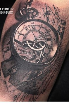 Tattoo clockwork clock