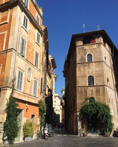 Incredibly blue skies in Rome for those who care to look up.