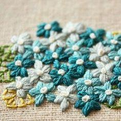 紫陽花 #刺繍 #手刺繍 #embroidery #花の刺繍 #Flower #ブルーの花