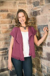 With a flattering shape and soft cotton yarn, this knitting pattern is ideal for spring!