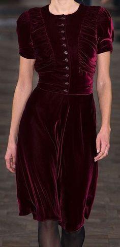 i adore the dark color. velvet couture so pretty. style inspiration