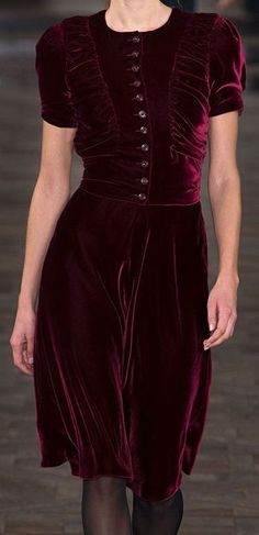 i adore the dark color. velvet couture so pretty. style inspiration