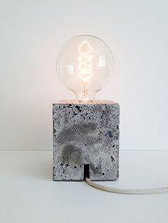 Beton Tischlampe | LUE ONE | mit massiven Betonsockel und Edison vintage Glühbirne