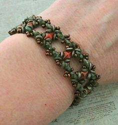 Linda's Crafty Inspirations: Birthday Bracelet 3 - Ivy Bracelet