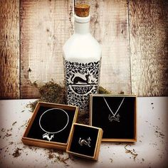 Such a beautiful collaboration and one of our favourite gins local in Macclesfield ✨ Celebrating our fabulous sellers as part of the #100dayproject   DAY 9 - #100daysofmakers  Check out @melissajewellery and her superb creations including with @forest_gin   Go and give her a follow and check out more stunning designs   #etsymcr @etsyuk 100th Day, Gin, Collaboration, Instagram Posts, Projects, Check, Beautiful, Etsy, Design