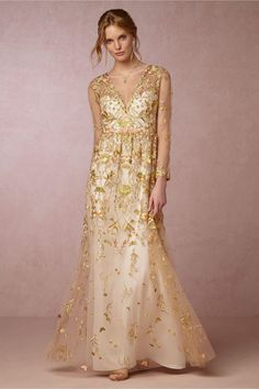 Obsessed with this gilded embroidery wedding gown.