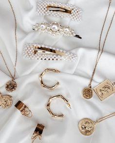Amazing Awesome Incredbly Belmto Minimal Jewelry & Pearl Barrette, - Women's Jewelry and Accessories-Women Fashion Cute Jewelry, Hair Jewelry, Pearl Jewelry, Gold Jewelry, Women Jewelry, Jewelry Bracelets, Jewellery, Jewelry Box, Cartier Jewelry